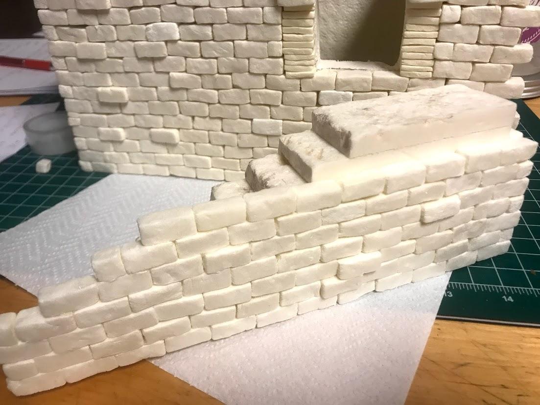 Costruire una scala di pietra in polistirene modellismo for Quanto costa costruire una casa di mattoni