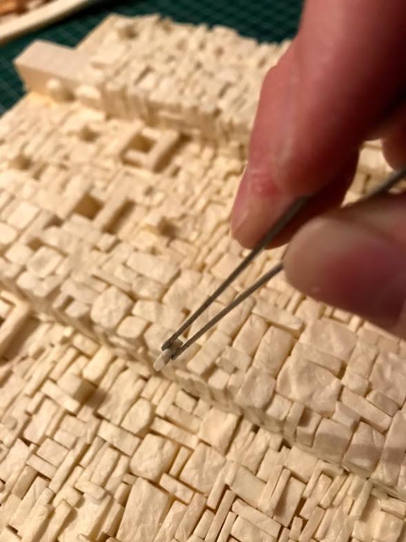 costruzione di una roccaforte fantasy - posa delle pietre