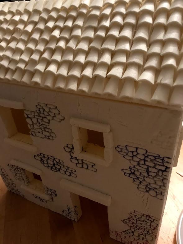 costruzione di un tetto per un casolare di campagna